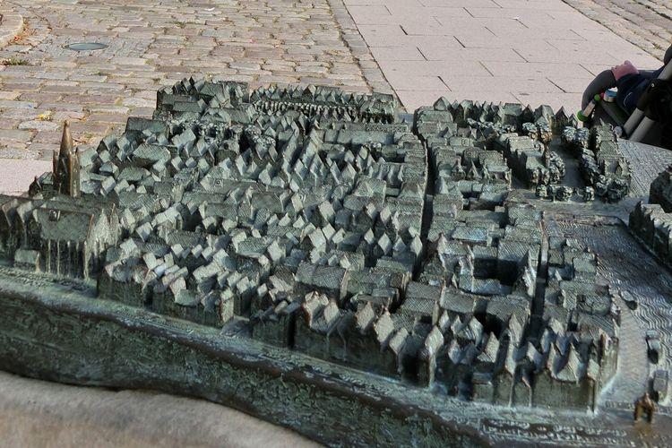Bronze Stadtmodell zum Tasten am Ratsdelft