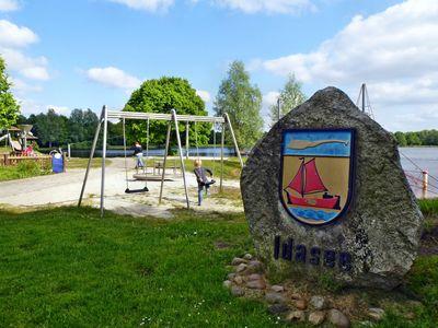 Spielplatz mit Schaukel am Idasee