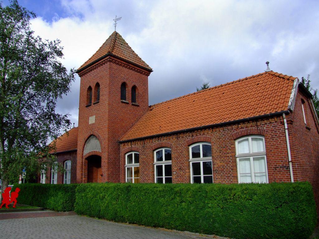 Außenansicht vom Schulmuseum in Folmhusen