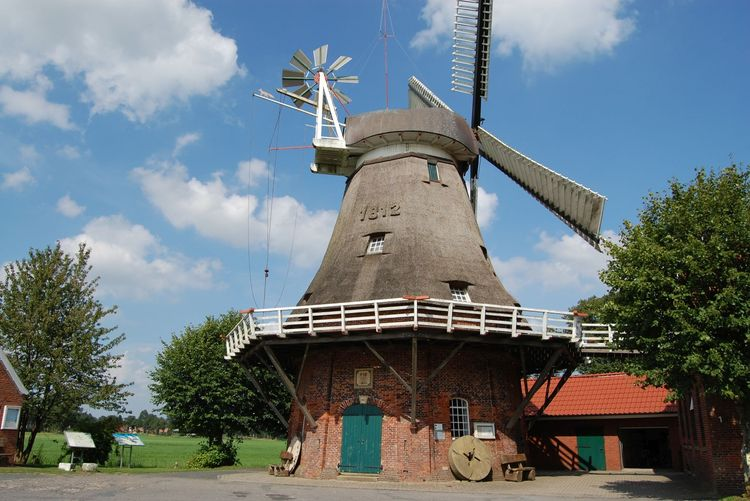 Außenansicht der Mühle in Großefehn