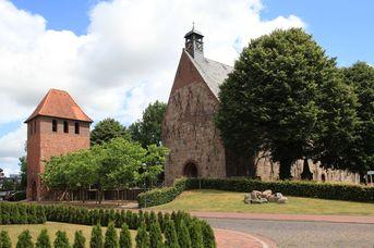 St. Cosmas und St. Damian-Kirche und Orgel