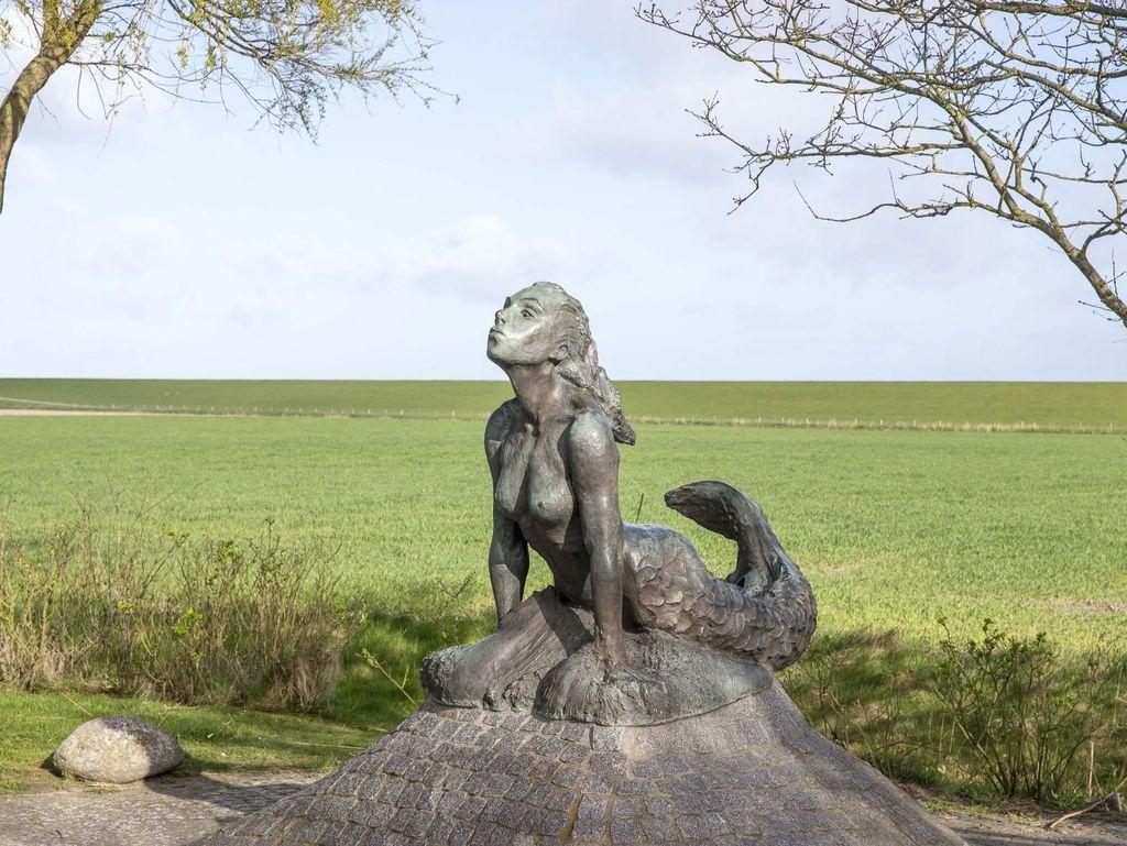 Bronzestatue einer Meerjungfrau bei Minsen