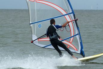 """Kite- und Winsdurfschule """"Windsurfing Juist"""