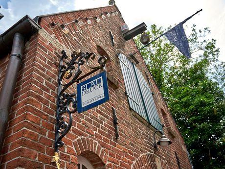 Außenansicht vom Gebäude der Blaudruckerei von Jever im Kattrepel