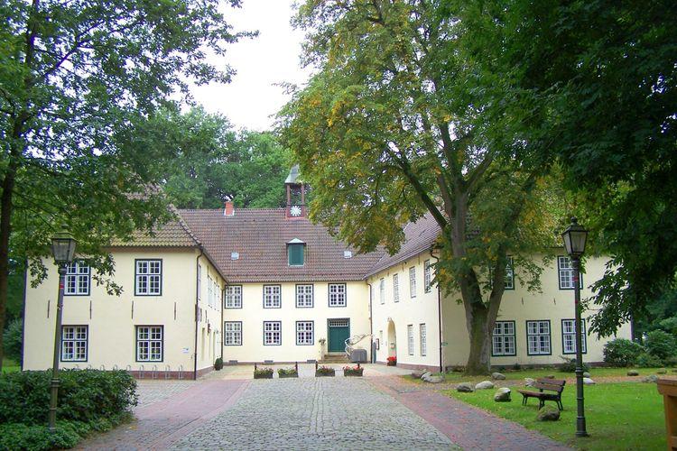 Informationen zum Neuenburger Schloss in Zetel
