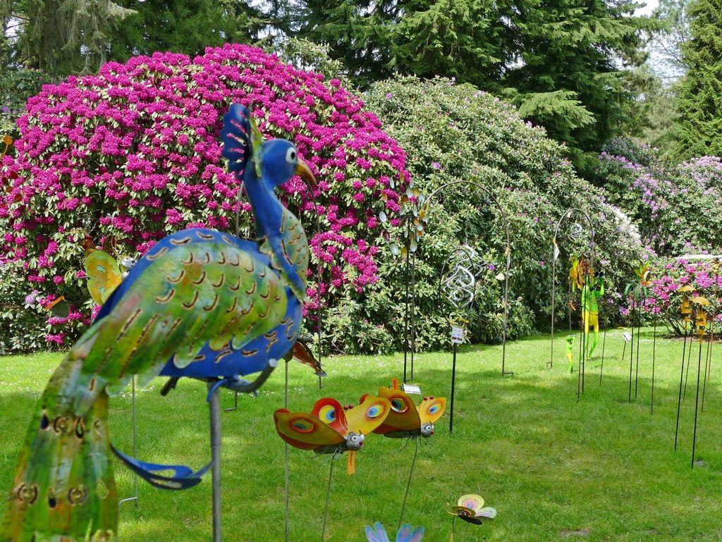 Skulpturen im Rhododendronpark in Wiefelstede-Gristede