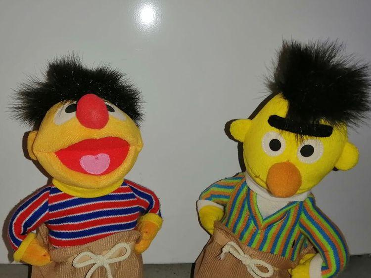Ernie und Bert Stofffiguren von der Sesamstraße