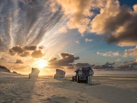 Sonnenuntergang über dem Strand von Spiekeroog