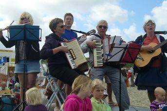 Singen am Strand mit Christiane Wolf