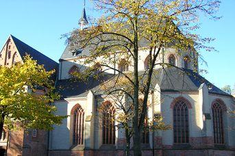 Ludgeri-Kirche mit Arp-Schnitger-Orgel