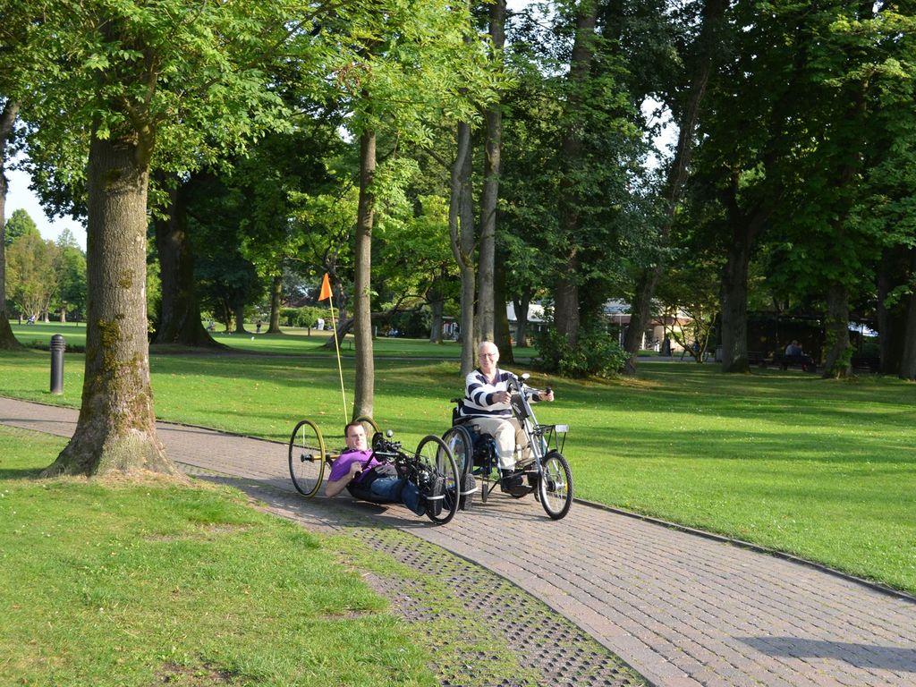 Spezailräder im Barrierefreien Kurpark in Bad Zwischenahn