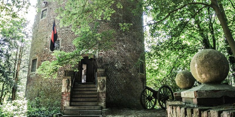 Schlösser, Burgen und Kirchen erkunden