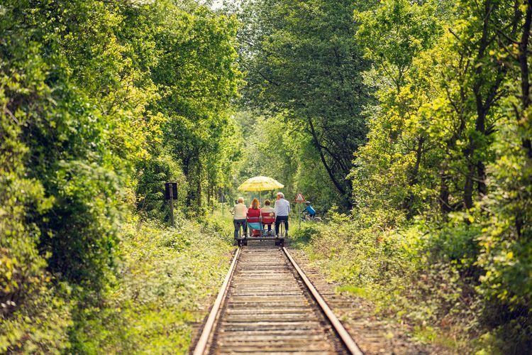 Draisinenspaß auf der stillgelegten Bahnstrecke von Westerstede nach Ocholt