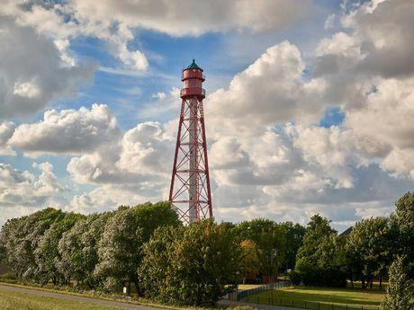 Blick auf den Leuchtturm in Campen