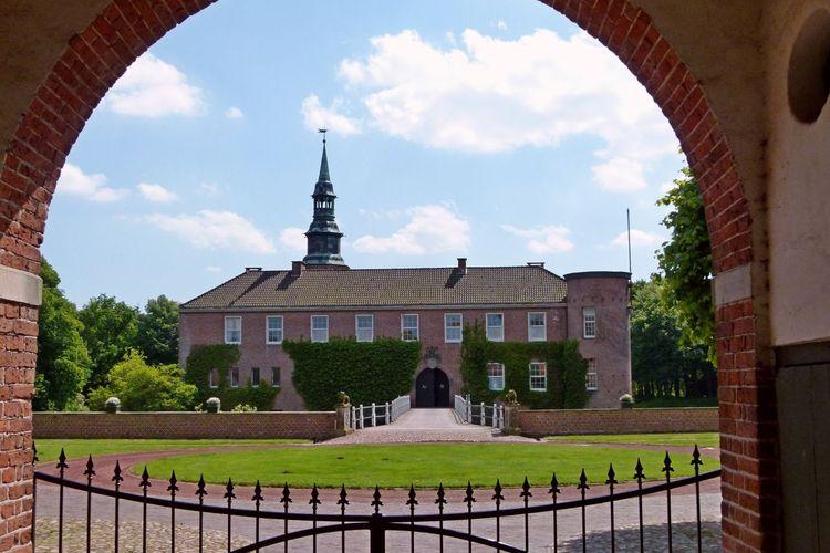 Lütetsburg in Hage