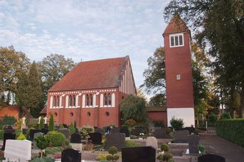 Ev.-luth. Christus-Kirche in Völlenerkönigsfehn