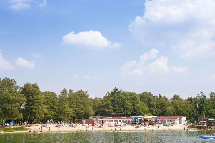 Sommertag am Badesee in Schortens