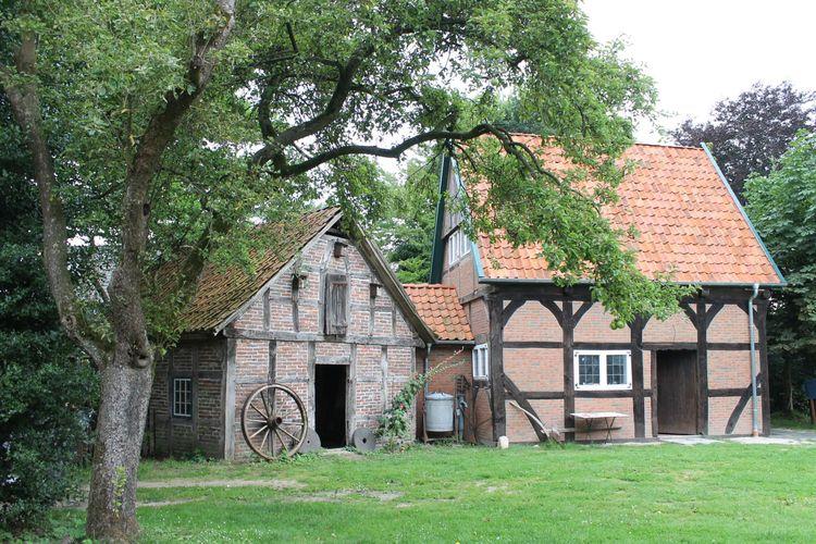 Heimatmuseum mit Ausstellung in Wiefelstede