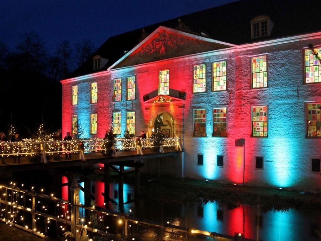 Weihnachtsmarkt am Wasserschloss