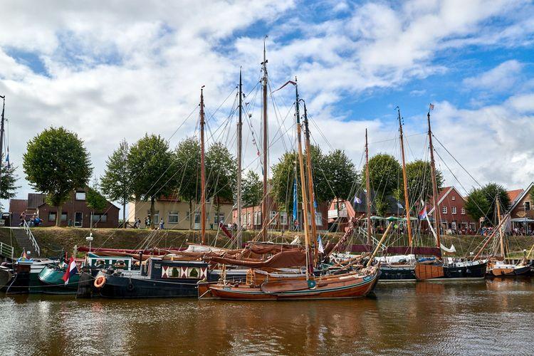 Blick über den Hafen von Carolinensiel