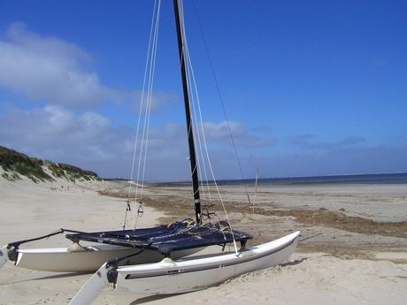 Boot im Sand am Strand von Baltrum